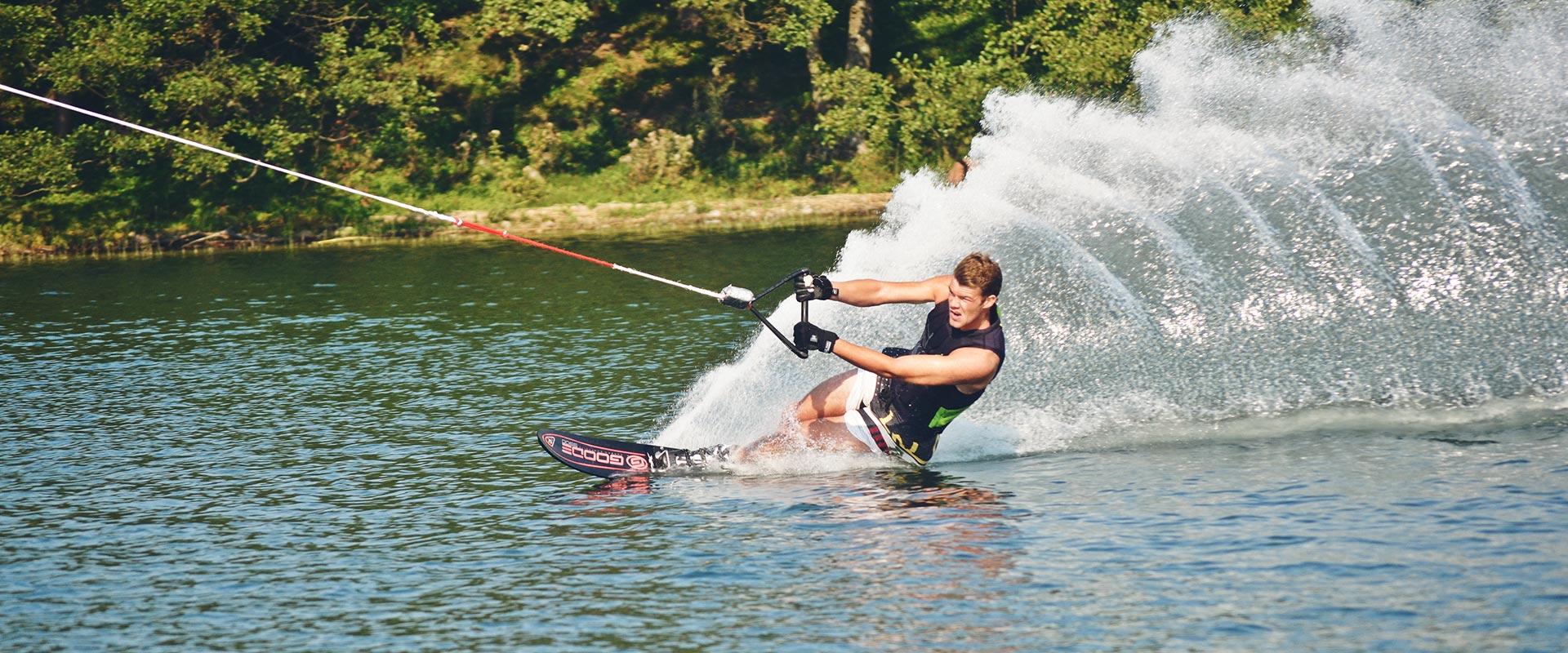 Zmiana godzin pracy wyciągu do nart wodnych i wakeboardu